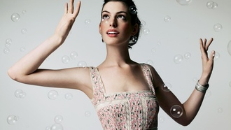 actress, soap bubbles, anne hathaway, ������� ������, ��� �������, �������