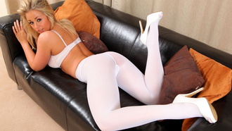 blonde, melissa debling, lying on the sofa, white, ���������, ����� �� ������