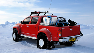 toyota, ����, ����, �������� �����, north pole, hilux, arctic trucks, red