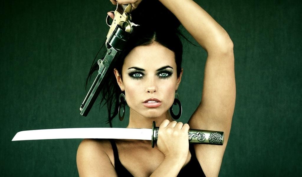 Hot girl, защита, девушка, танто, револьвер, gun sword