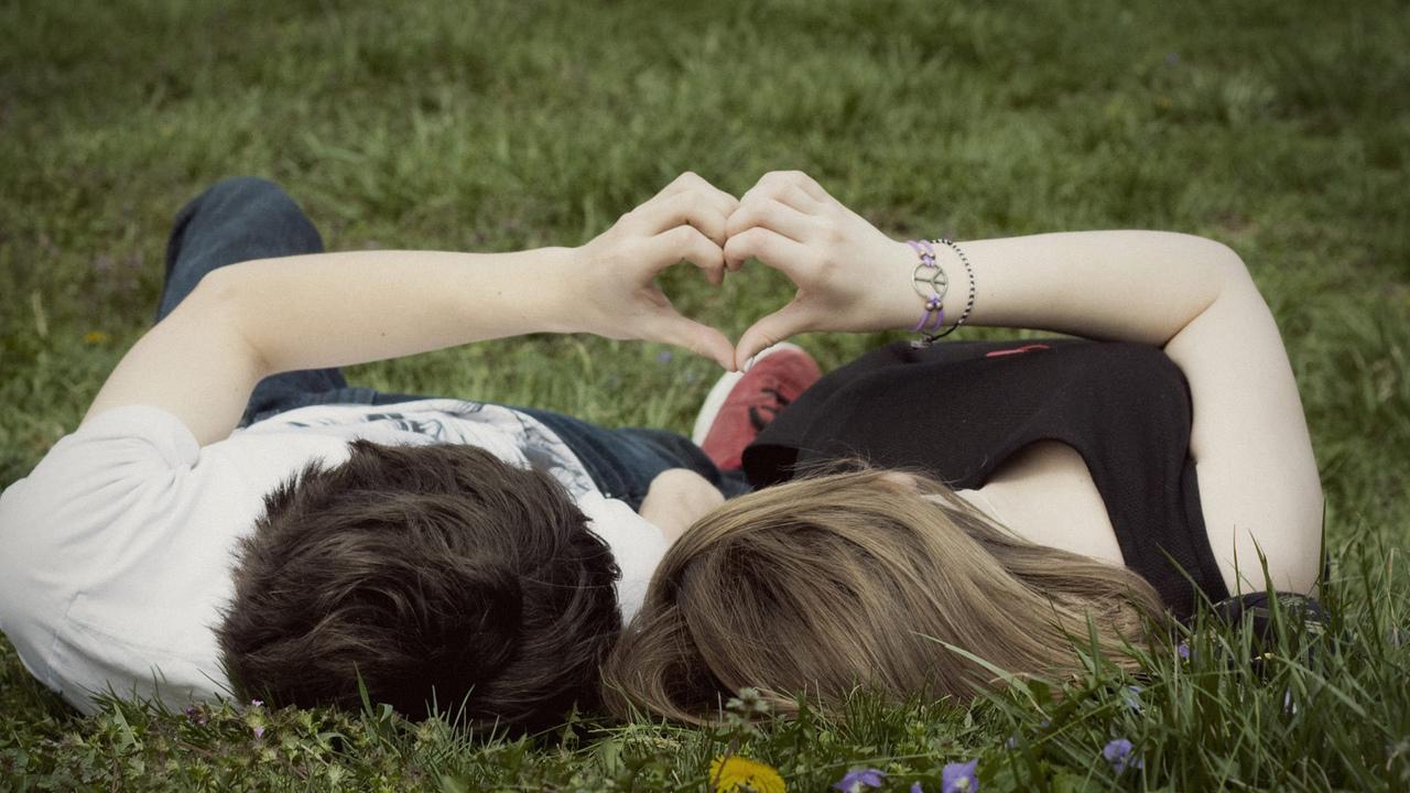 скачать обои любовь: