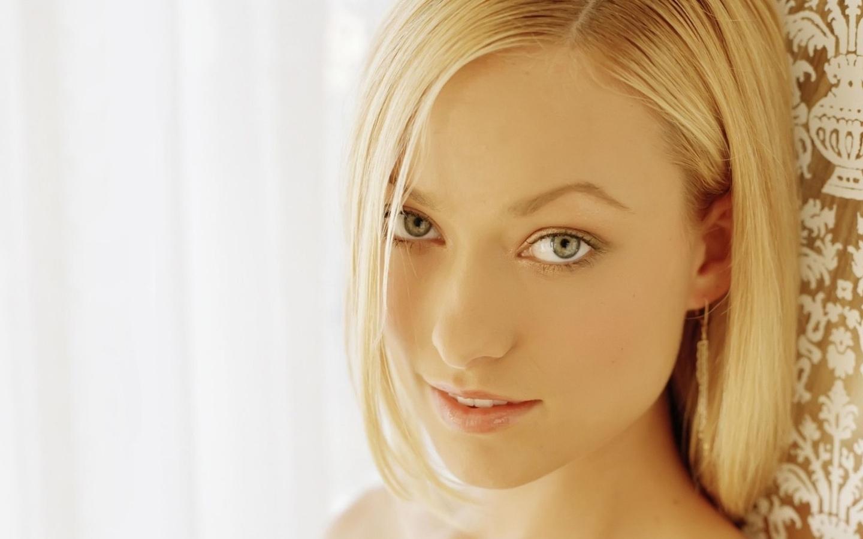 Фото красивые блондинки без лица 23 фотография