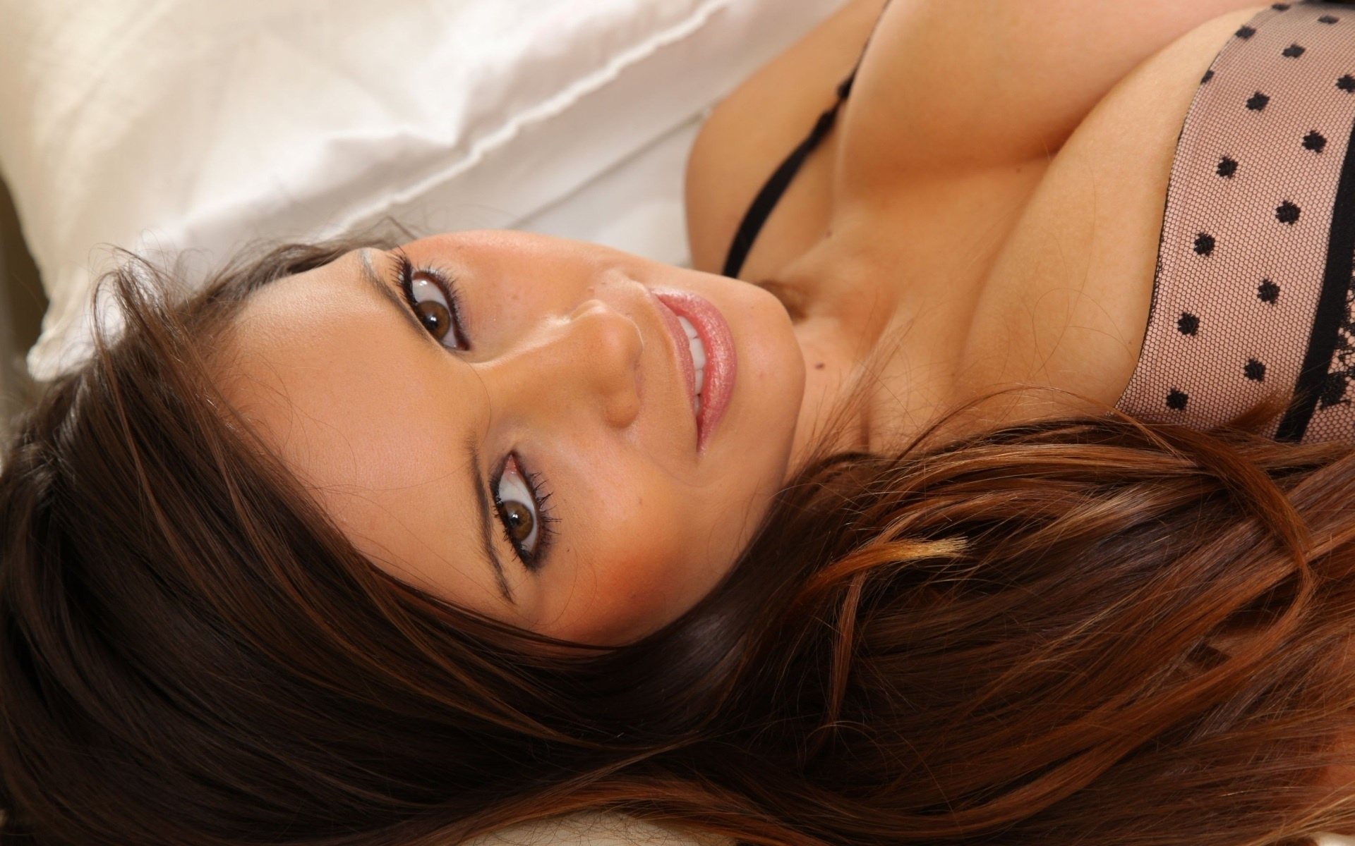 Самая красивая грудь девушки на рабочий стол фото 248-48