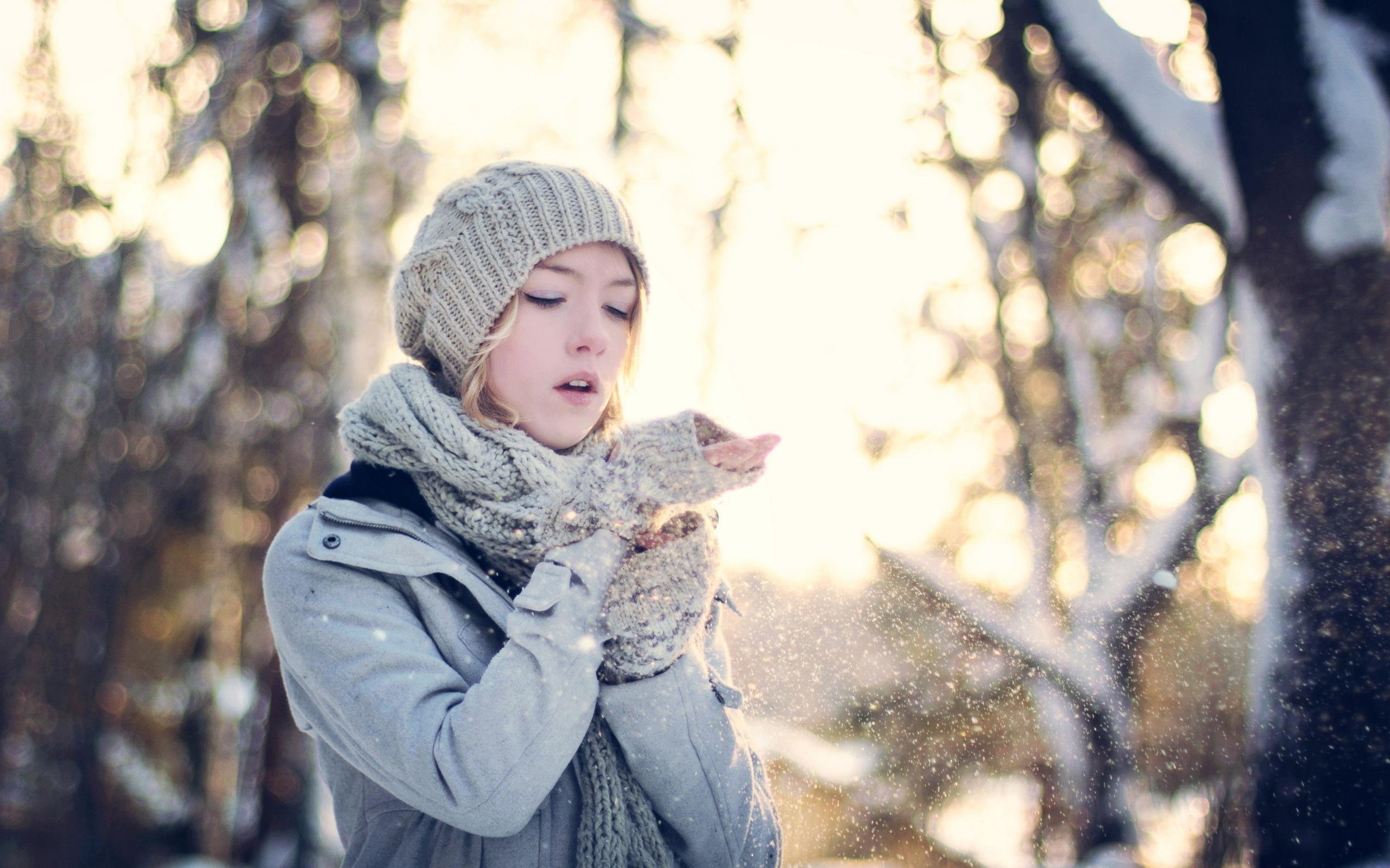 Фото девушек на фоне зимы не видно лица 22 фотография