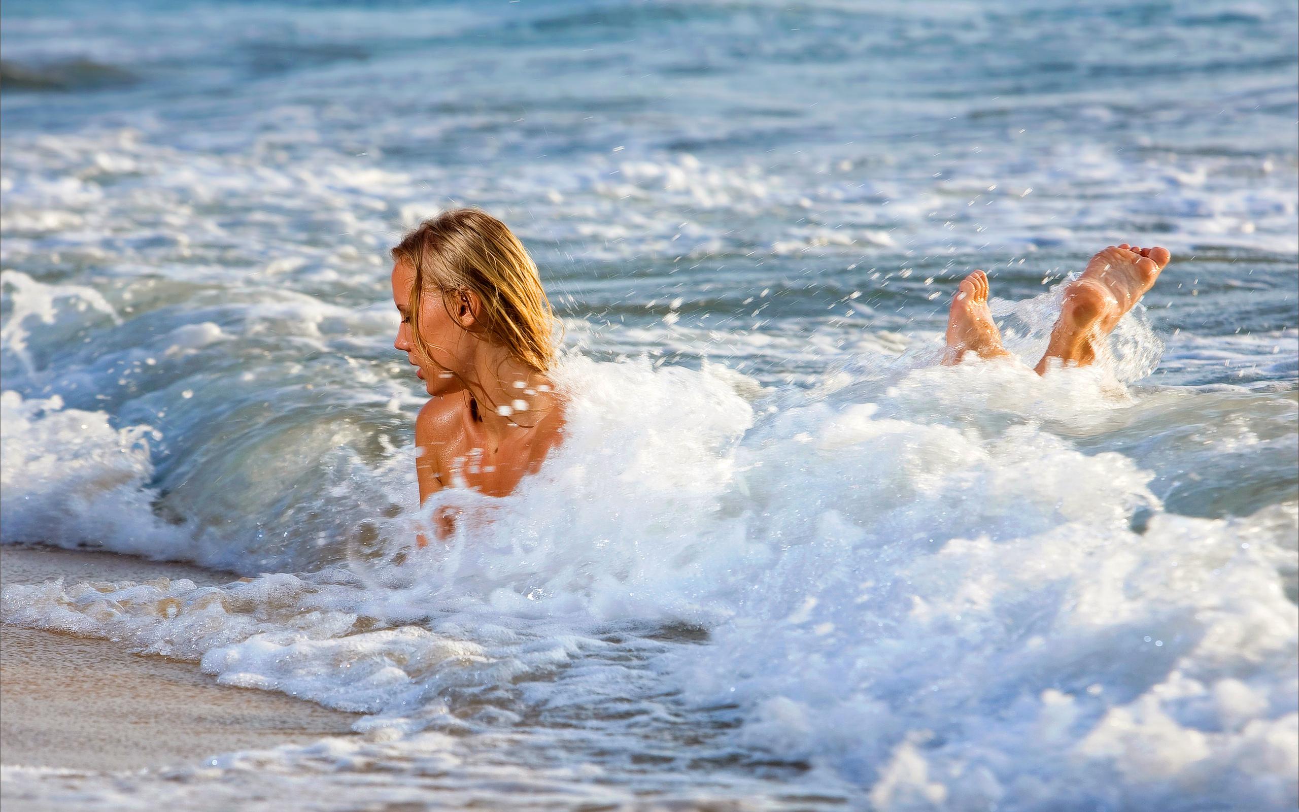 Флирт на нудийском пляже 20 фотография