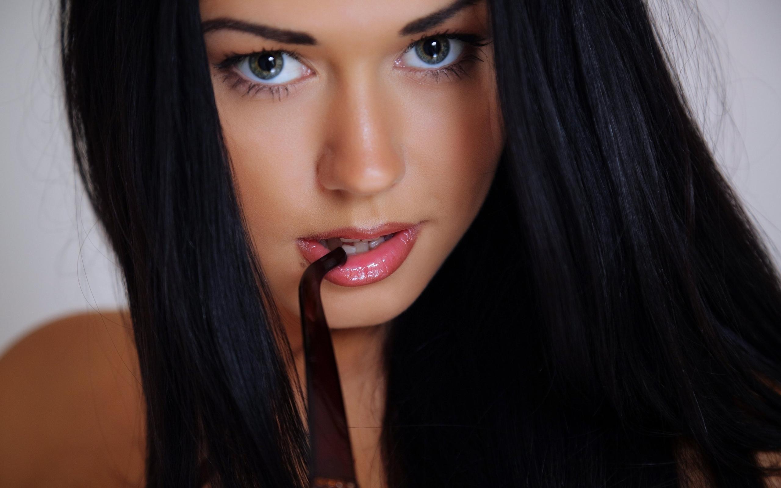 Фото одной девушки красивой и той же 11 фотография