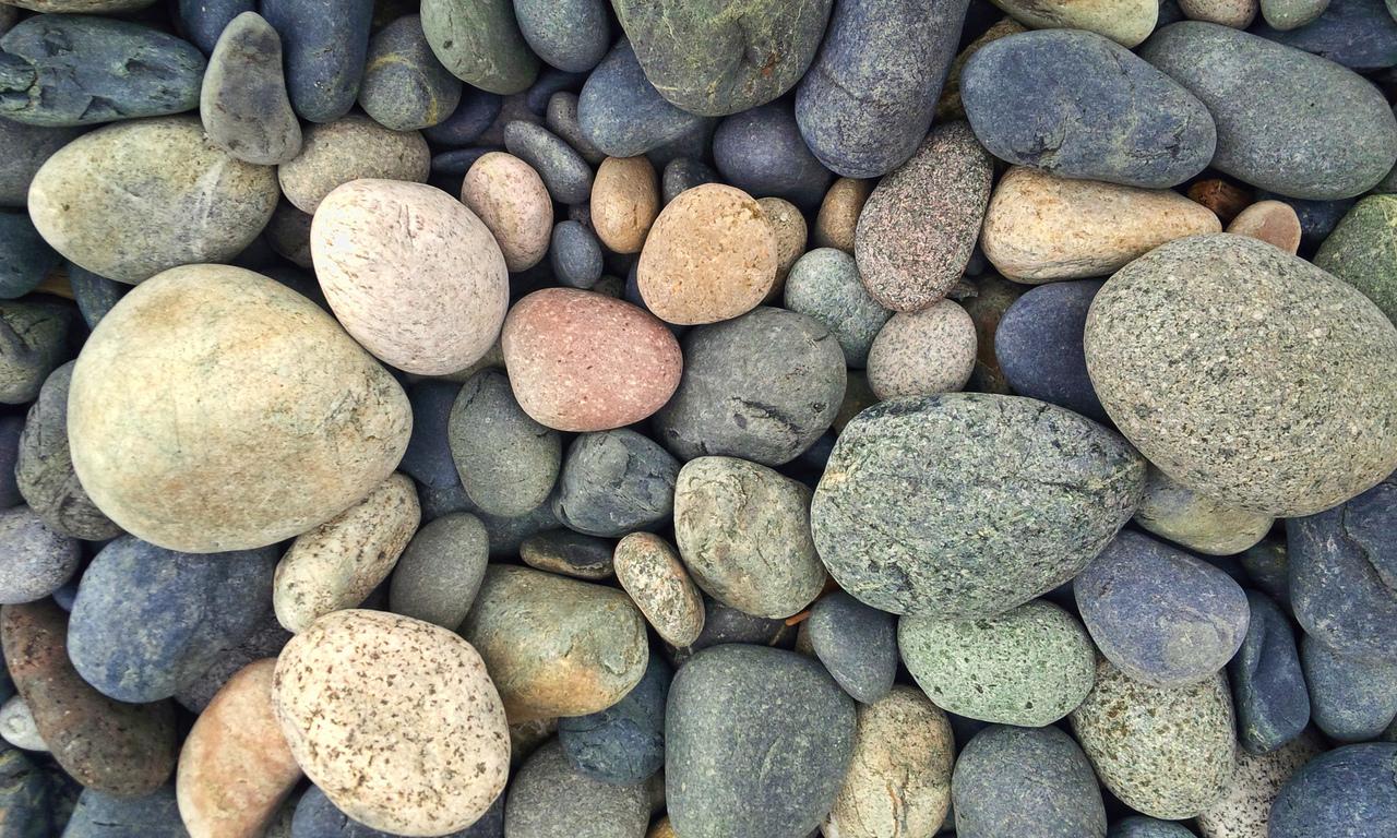 Камень галька фото