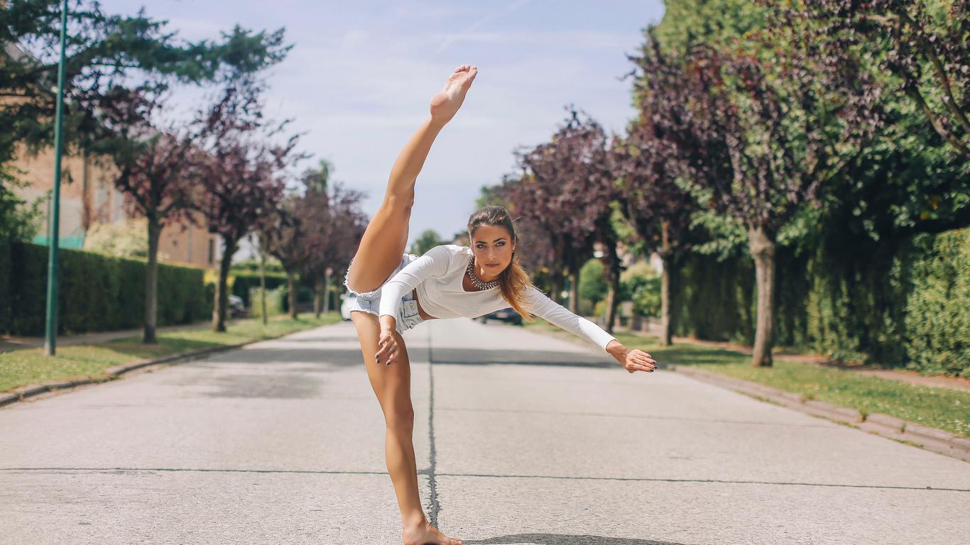 Фото гимнасток нога вверх 5 фотография