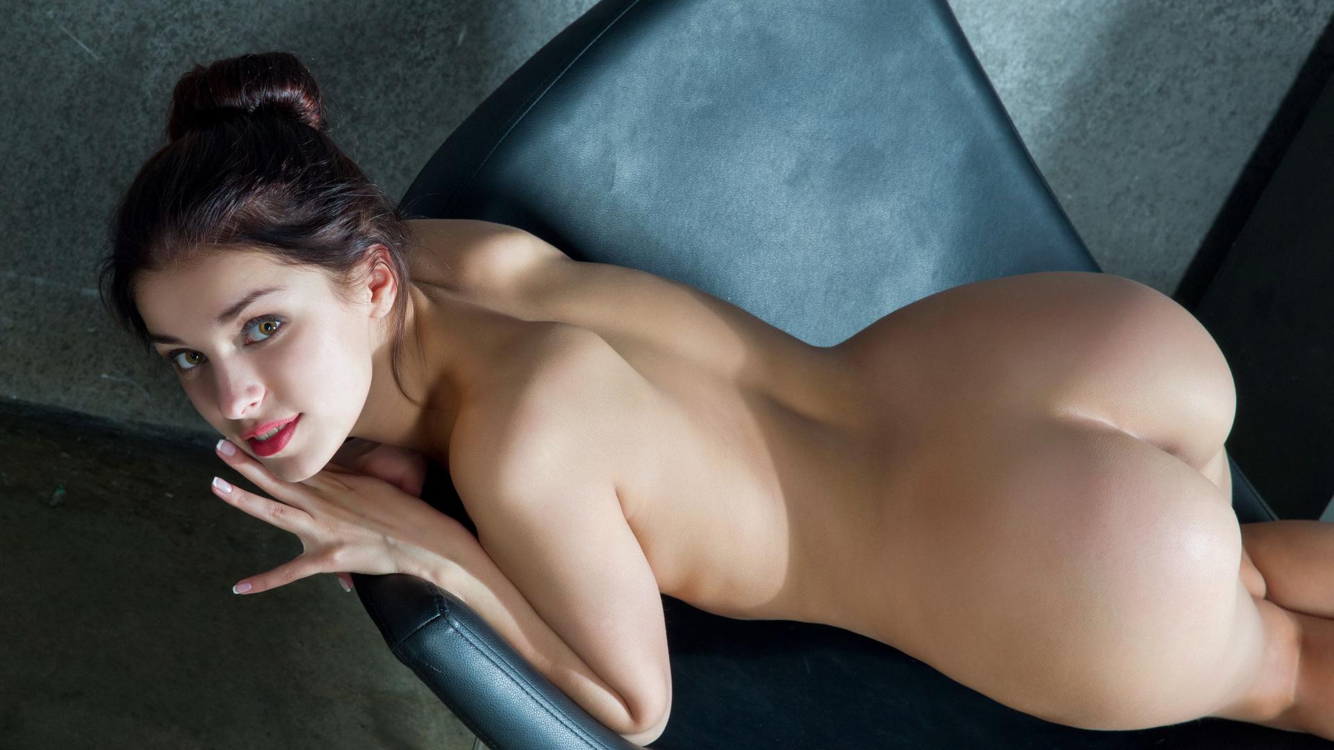 Смотреть бесплатно сочных брюнеток порно 16 фотография
