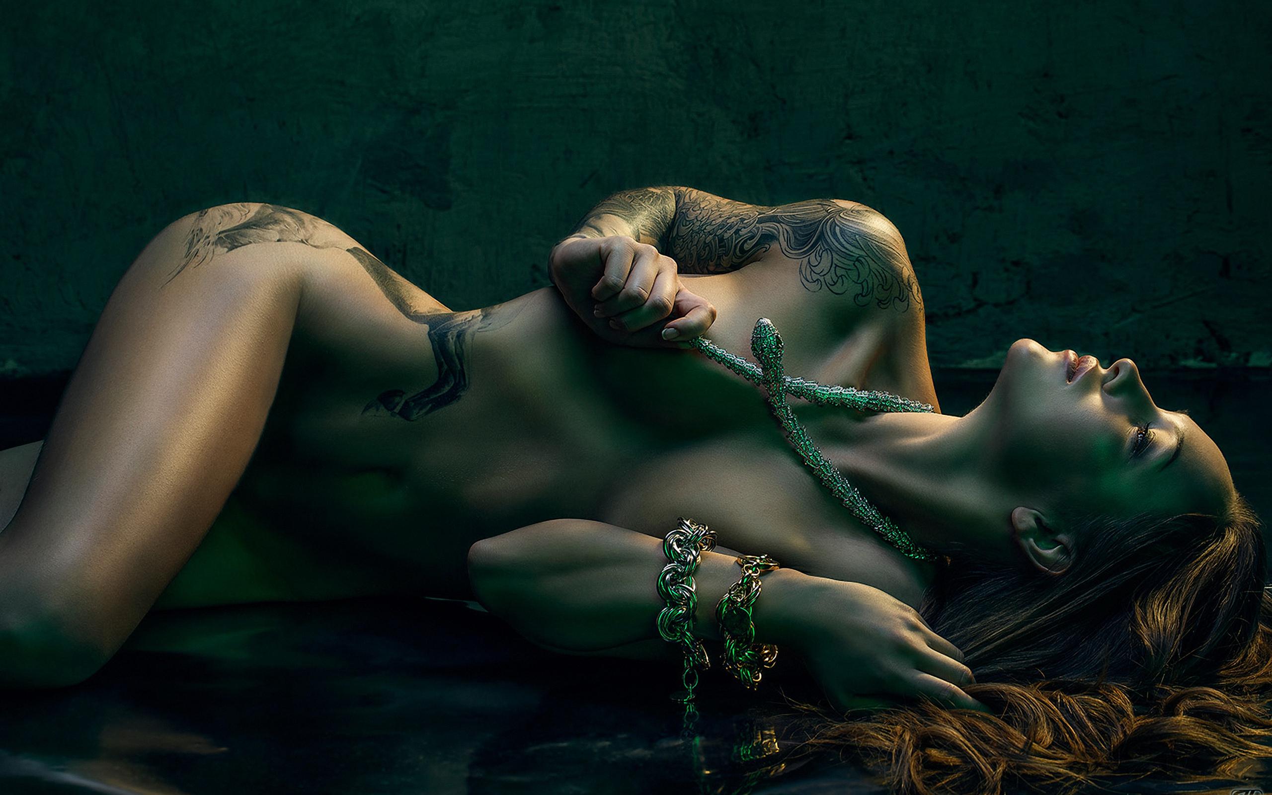 Смотреть эротические танцы со змеями 4 фотография