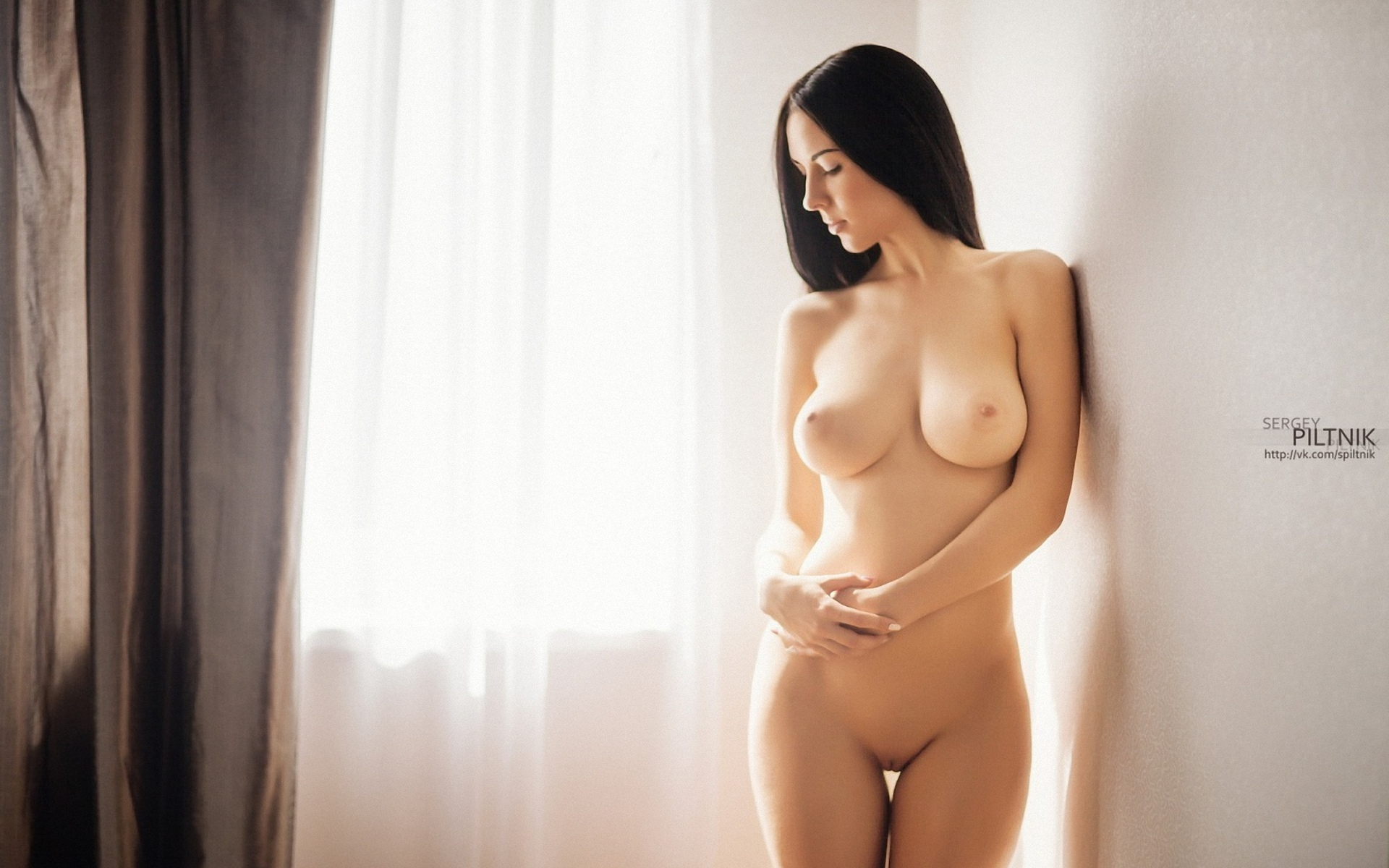 samaya-krasivaya-golaya-figura-zhenshini