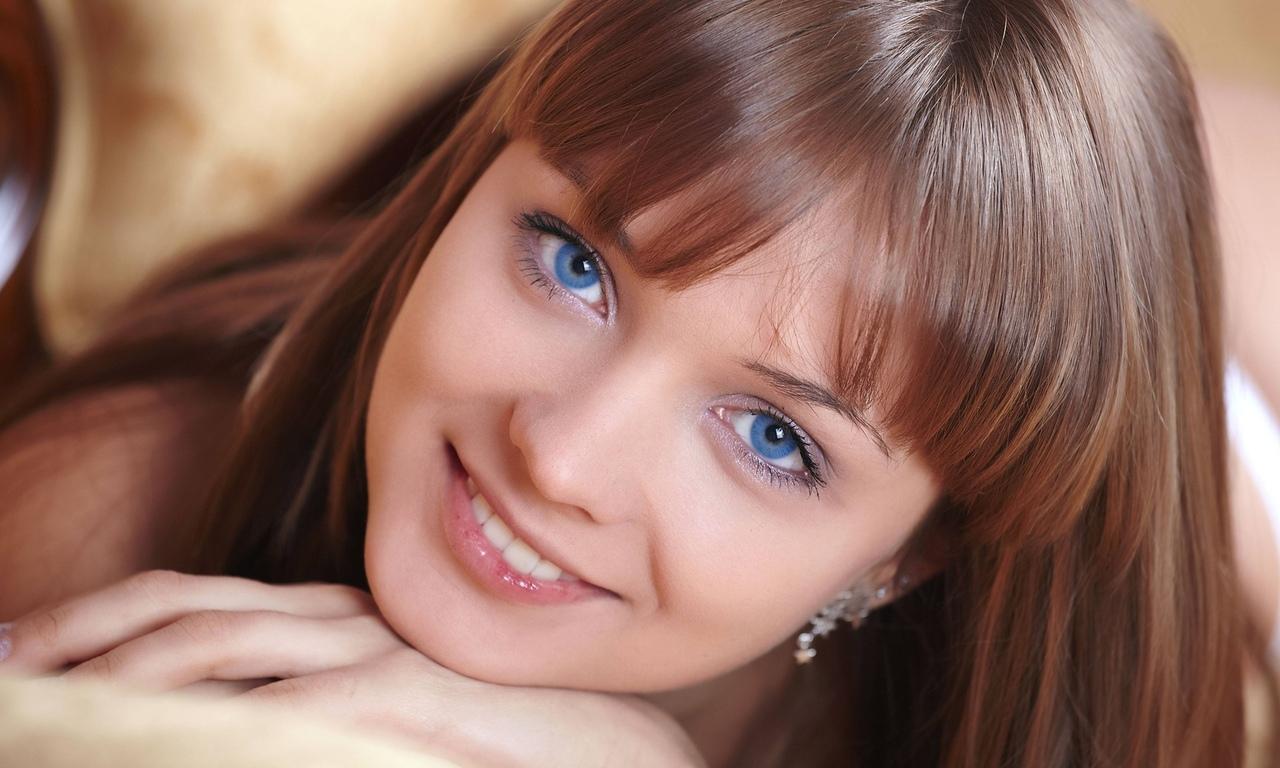 девушка, взгляд, улыбка