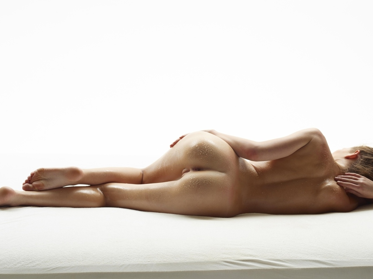 обнажоная, голая