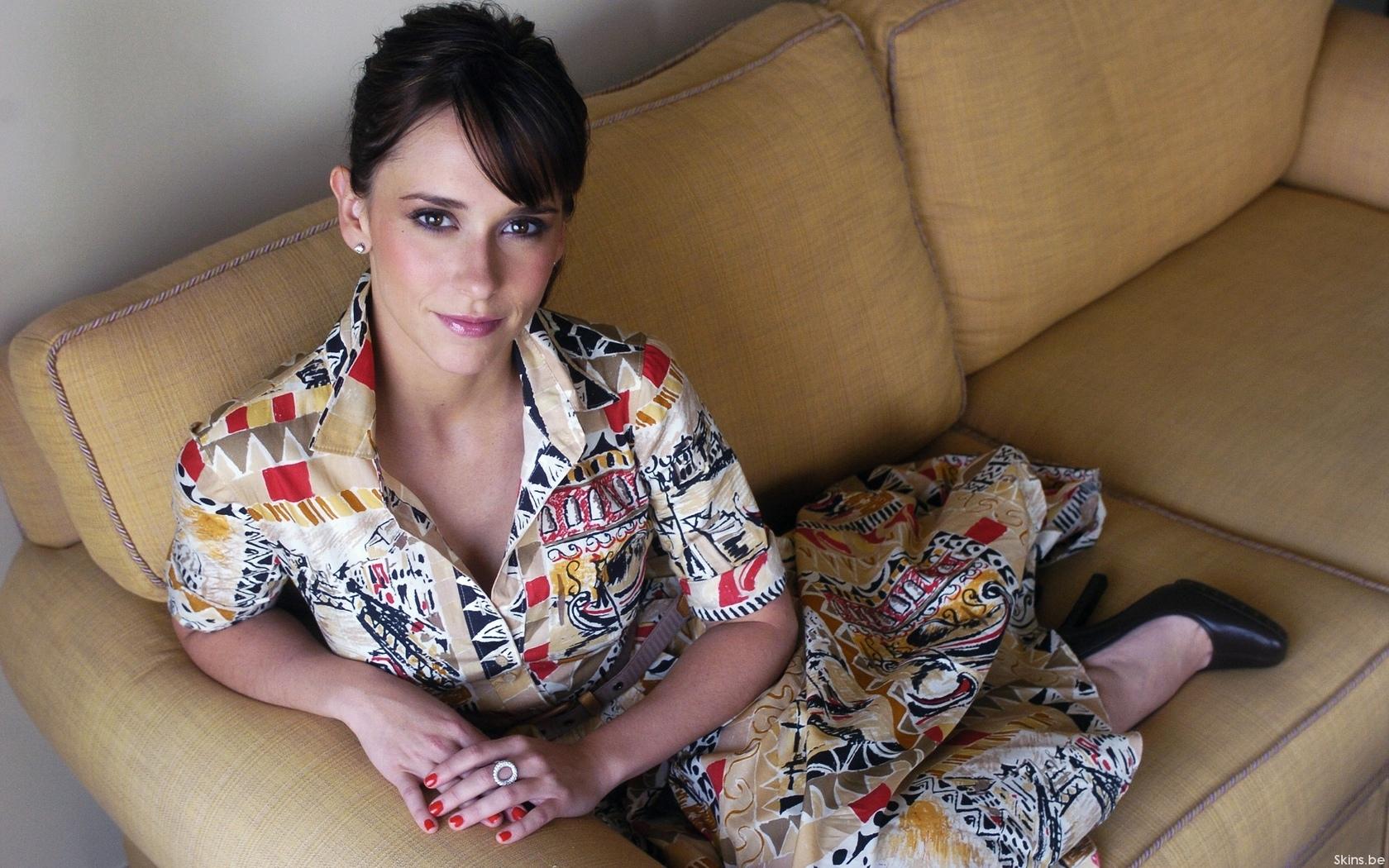 45 летняя, мамка, на диване