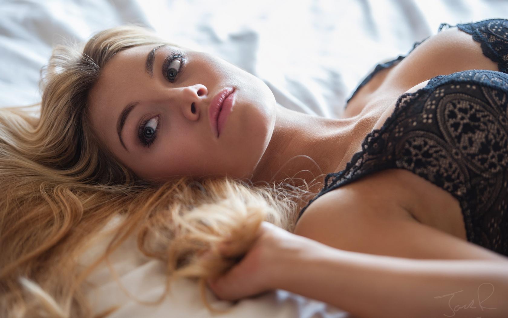 девушка, модель, позирует, в белье, взгляд