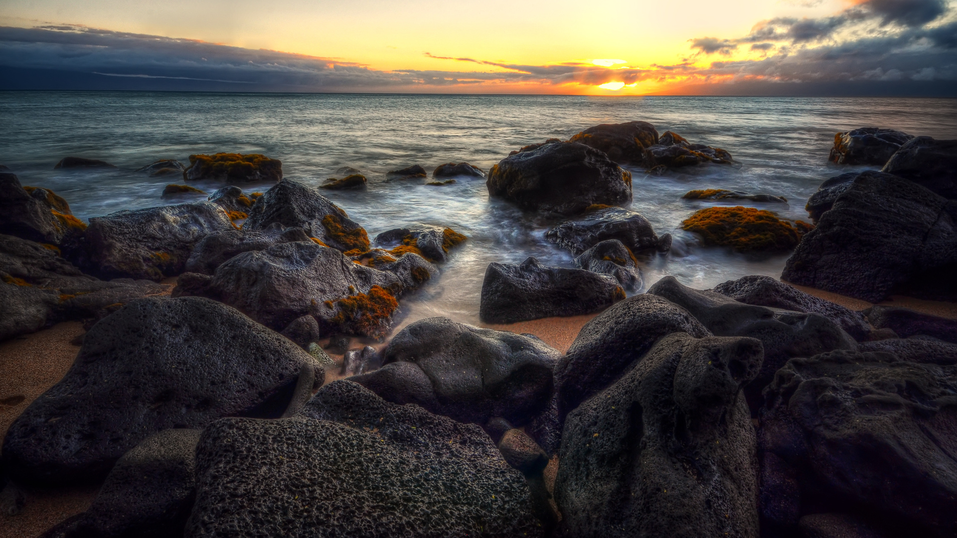 море, камни