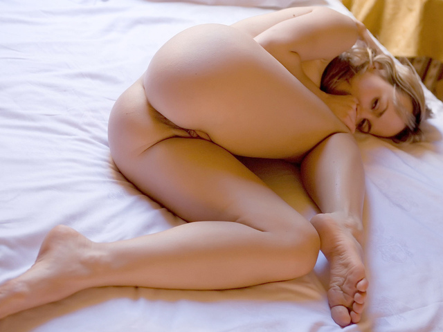девушка, голая, красивая, ноги, грудь, киска