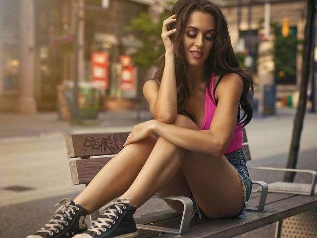 девушка, на лавочке, улица