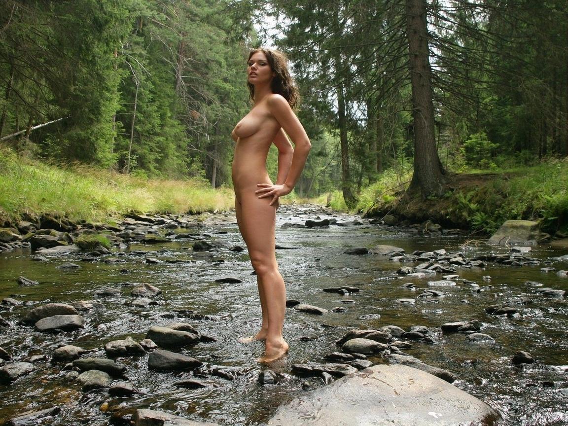 девушка, красивая, грудь, ножки, голая, сиськи, лес, природа