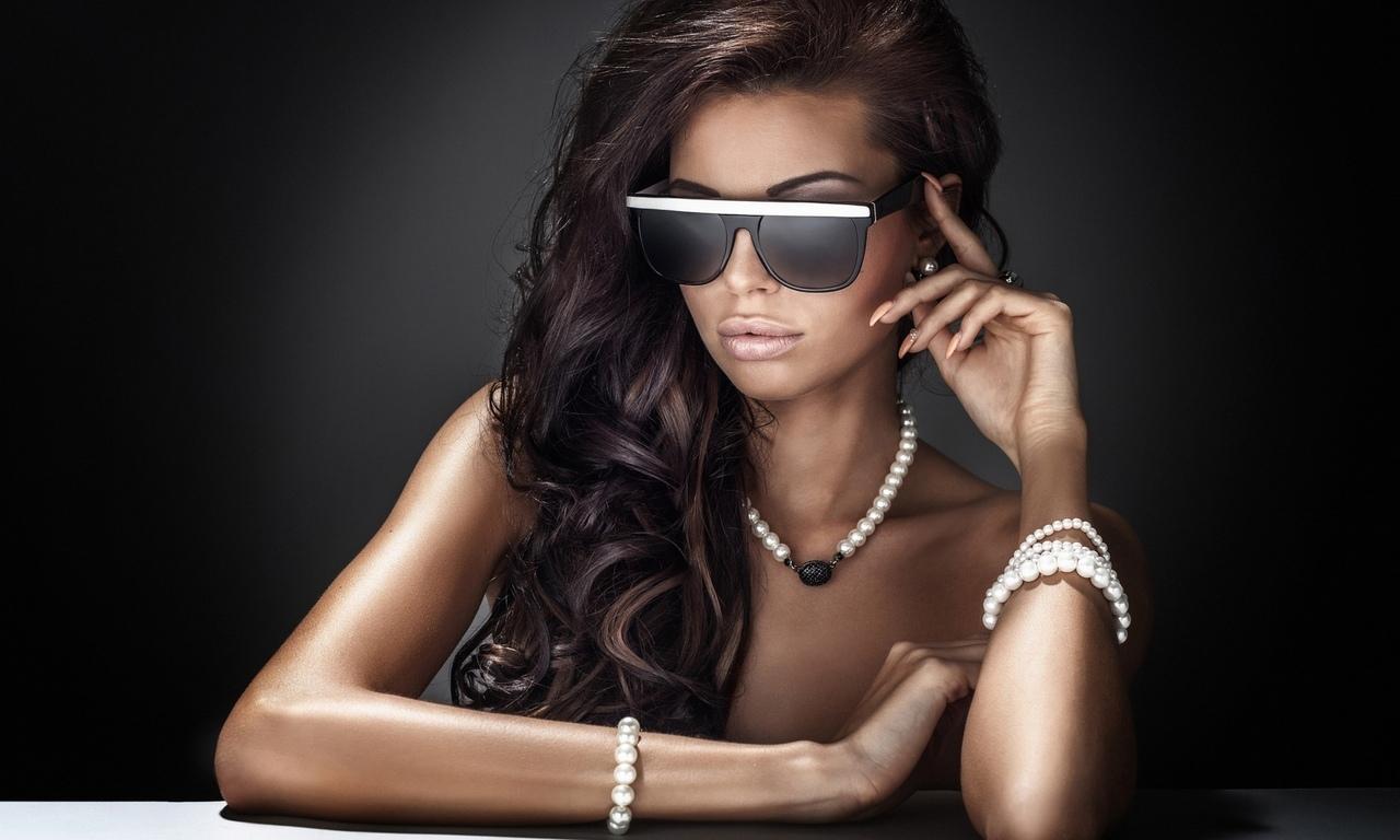 лицо, красивая, улыбка, прическа, очки, стиль