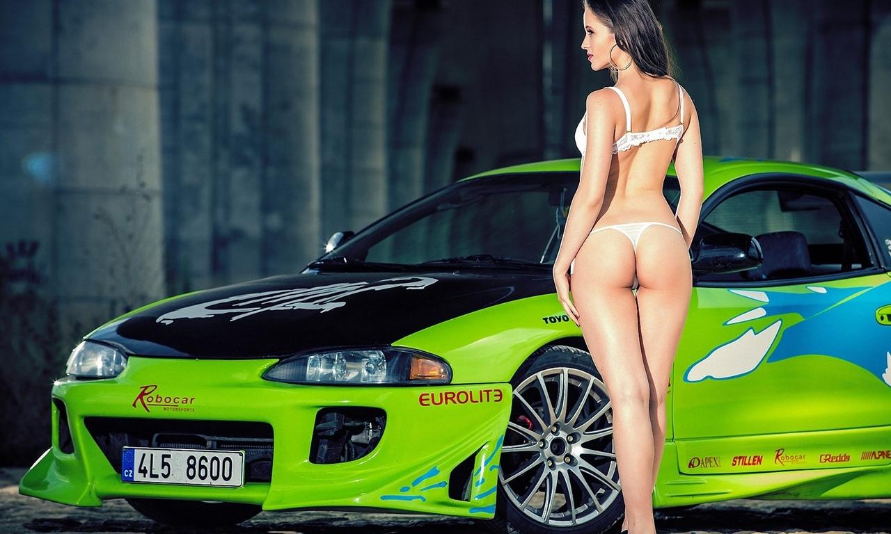 девушка, модель, позирует, в белье, у авто