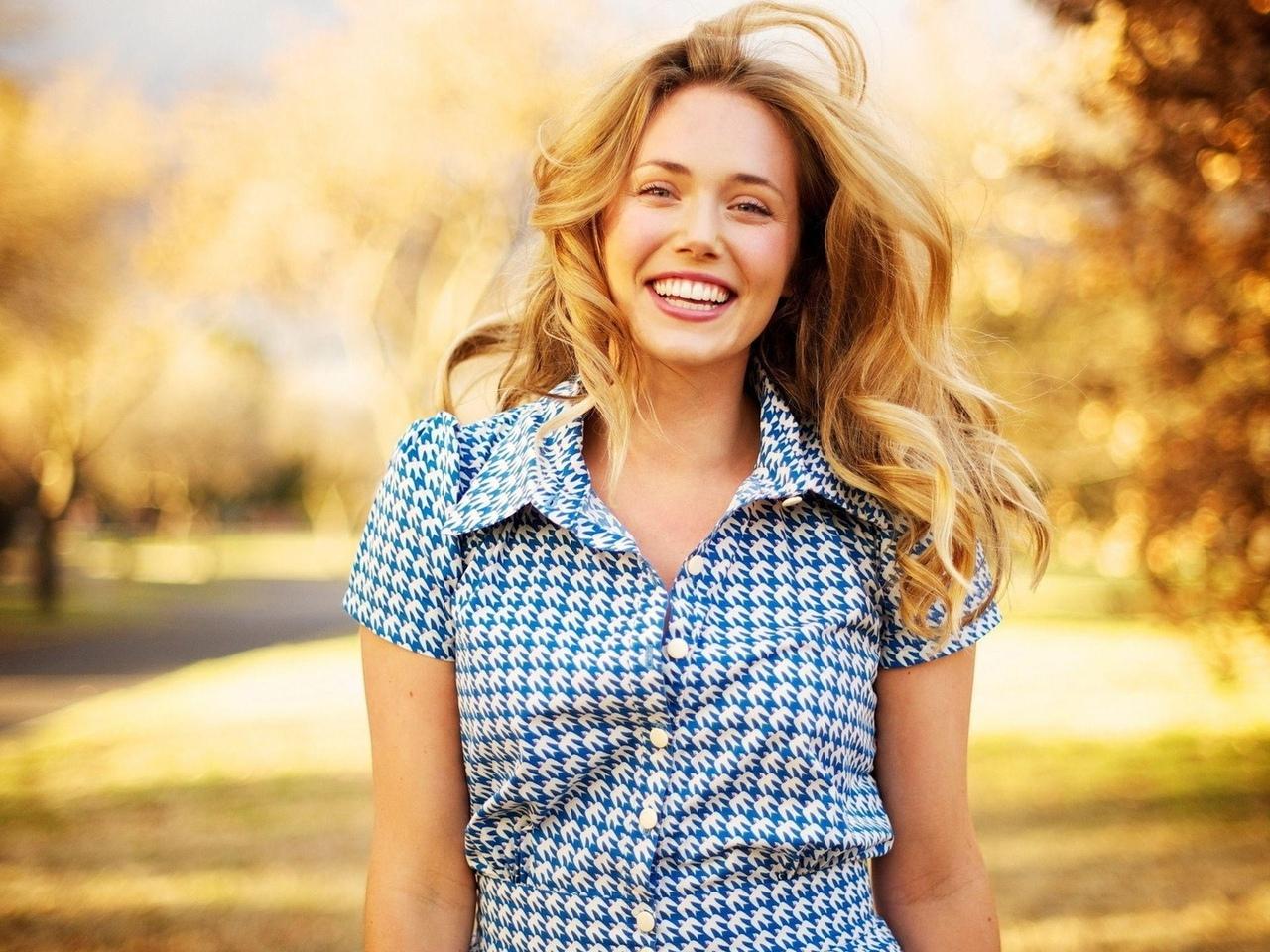 девушка, модель, позирует, улыбка, настроение