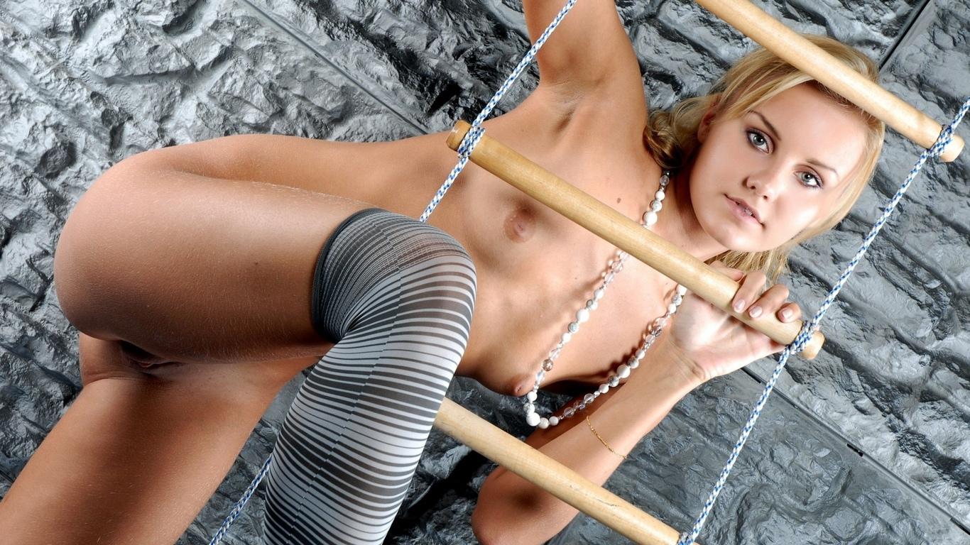 девушка, красивая, киска, грудь, ножки, голая, сиськи, поза