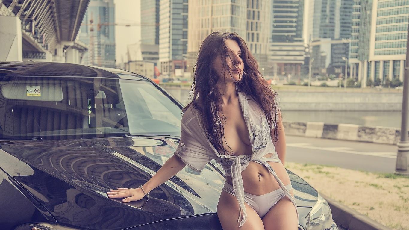 девушка, модель, в белье, позирует