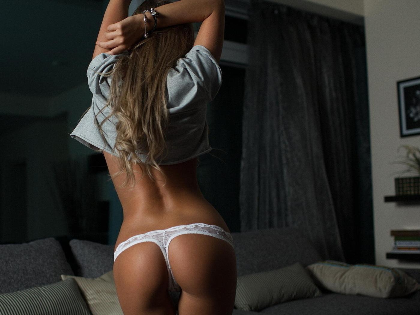 девушка, красивая, ноги, грудь, попа, со спины