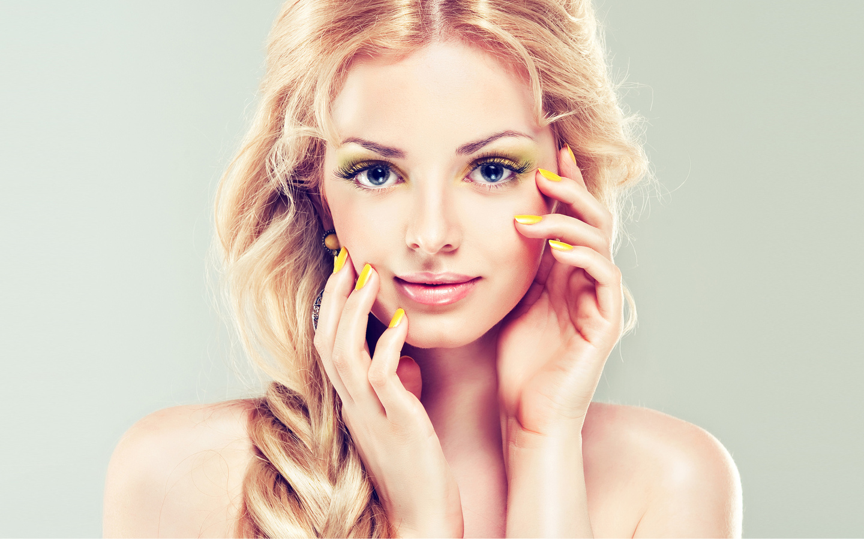 высокое качество, лицо, руки, яркий макияж, модель