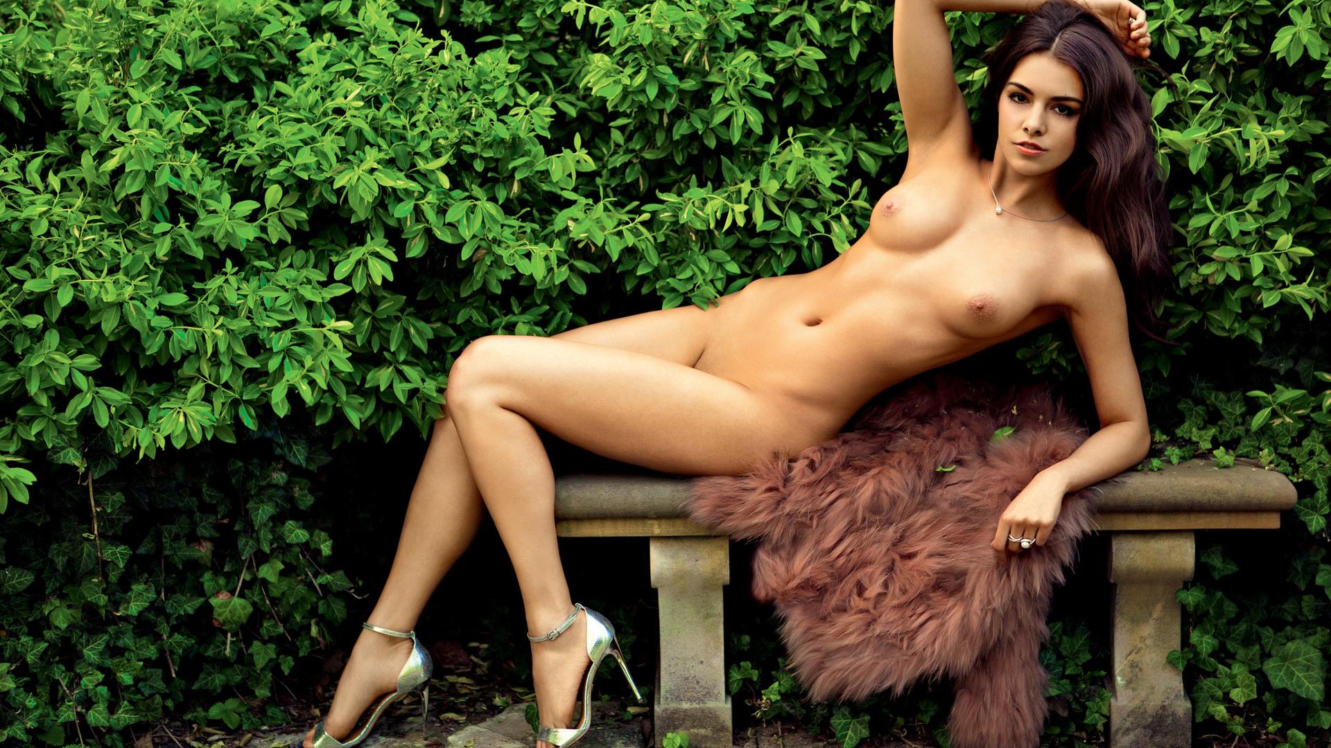 девушка, красивая, поза, взгляд, попа, сиськи, грудь, киска