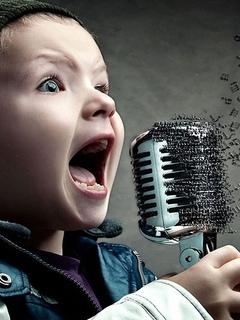 мальчик, поет, микрофон, юмор