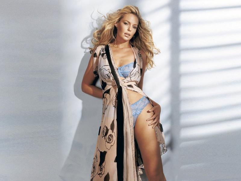 девушка, актриса, красивая, белье, халат, тени