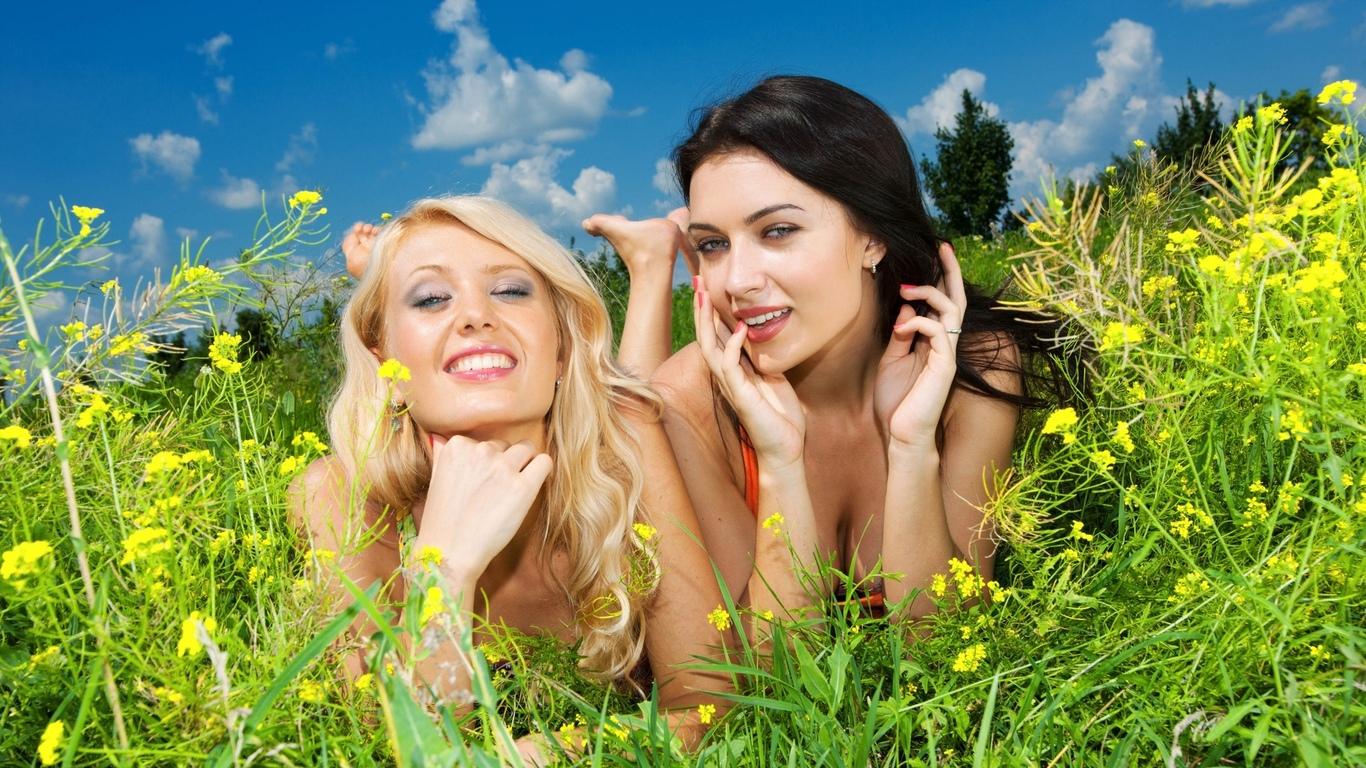 девушки, настроение, на природе