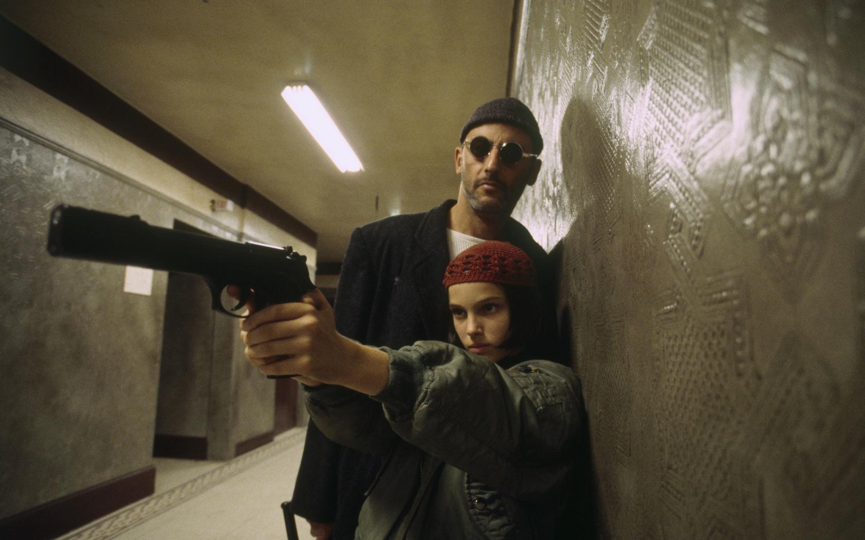 леон, жан рено, матильда, натали портман, драма, криминальный боевик, кино, ствол, целится, актёры
